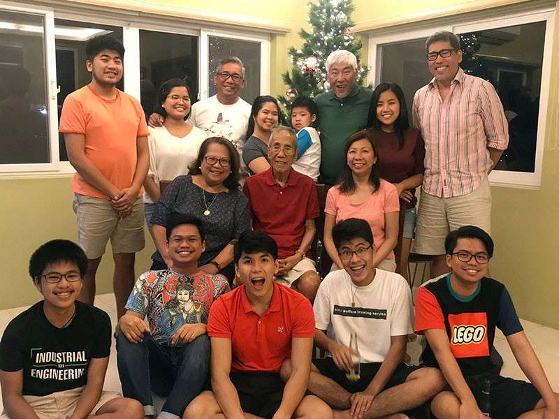06L-jing2: DAVAO. Happy New Year from this family to yours.