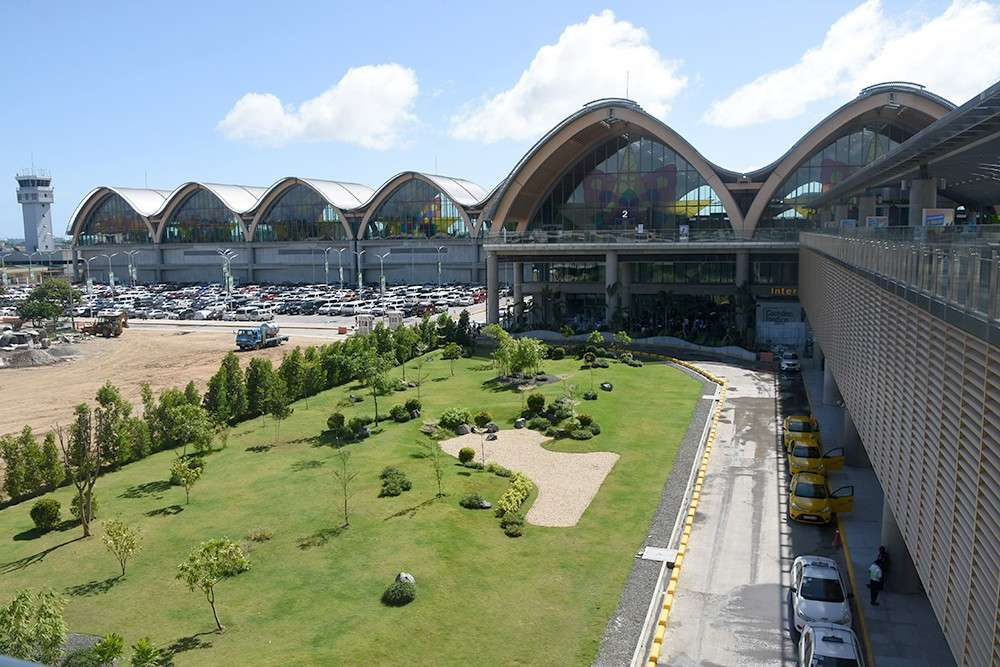 FIRST IMPRESSION. With three big-ticket events to be held in Cebu this year, tourism stakeholders were glad to showcase the best of Cebu, starting with their entry at the Mactan-Cebu International Airport.  (SunStar foto / Allan Cuizon)
