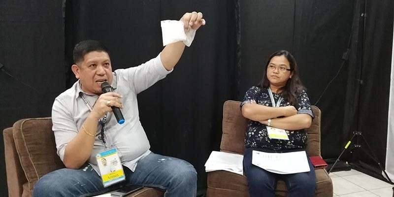 CAGAYAN DE ORO. Clenro chief Engineer Armen Cuenca shows the press a sample of a decomposed plastic cellophane and explained how it can be harmful to the marine life, while Solid Waste Management Division officer Elvisa Mabelin looks on, during the press conference Monday, January 7, at the City Hall on the city's plastic bag regulation campaign. (Photo by PJ Orias)
