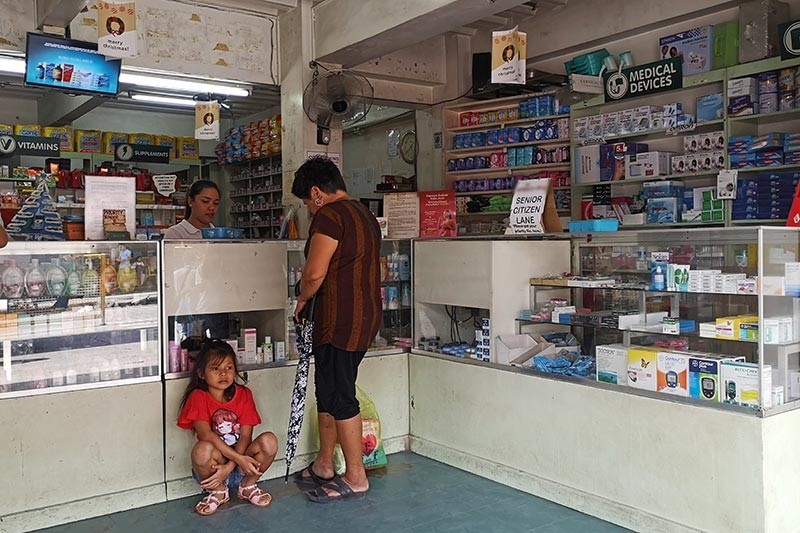 DAVAO. The Department of Health has recently announced that medicine for diabetes, high cholesterol, and hypertension will no longer have value-added tax starting January 1. Dabawenyos can now visit their nearest pharmacy for more affordable medicines. (Macky Lim)