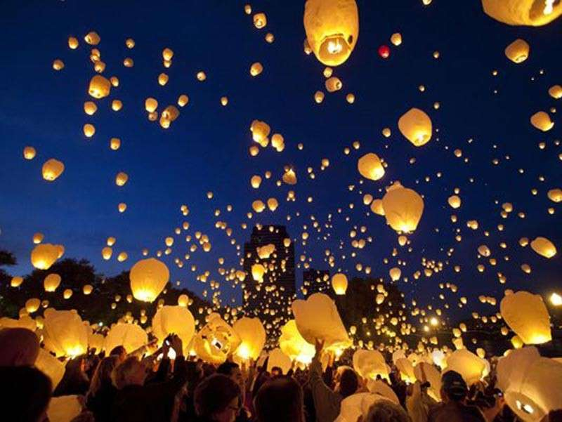 DAVAO. An ordinance prohibiting the release of balloons and sky lanterns in Davao City was proposed in the 18th Davao City Council. (AP)