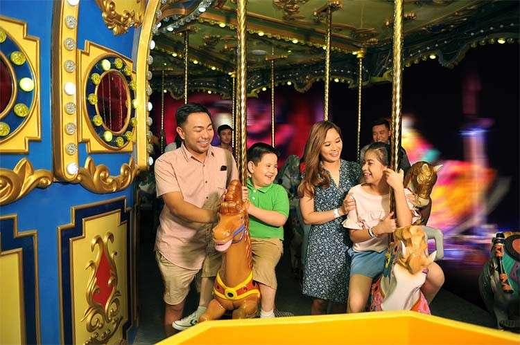 carousel family1