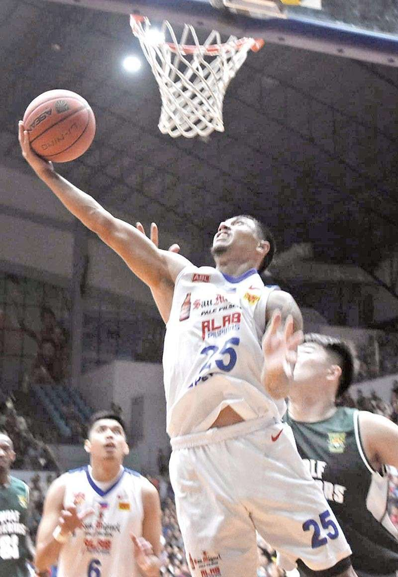 THEY WILL BE BACK. Ethan Vaño goes for two against the Wolf Warriors. After an easy win last Jan. 6, Alab Pilipinas is expected to be tested by the Saigon Heat. SunStar file