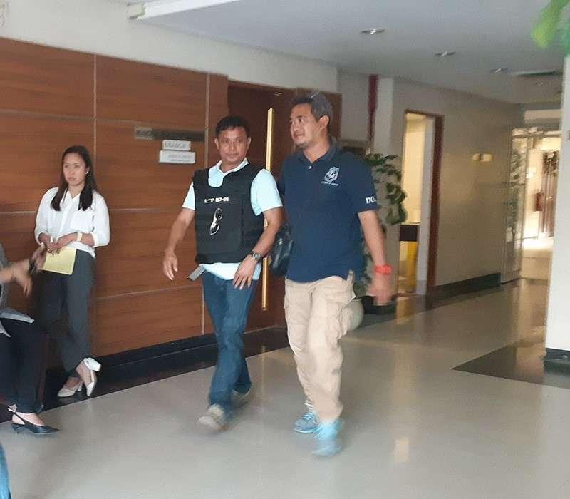 Witness Riolito Boniel wearing bullet proof vest. (Gipaambit nga hulagway)