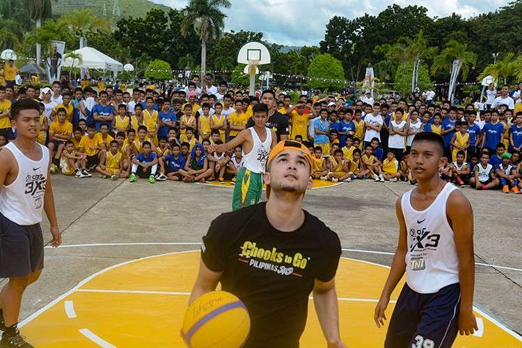 Lucky Three. Selected players from SMS Boystown get to play with Kobe Paras and Thirdy Ravena (partly hidden) in an exhibition match. (SunStar Foto / Arni Aclao)
