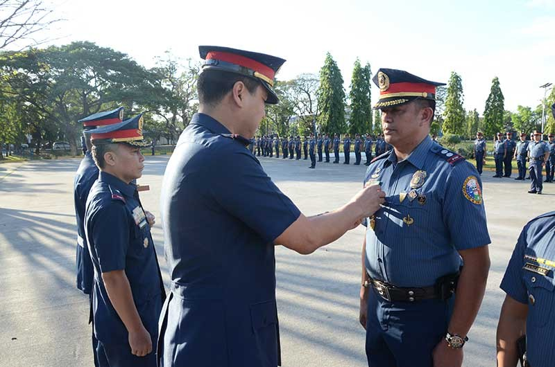 PAMPANGA. Police Chief Superintendent Joel Napoleon M. Coronel awarded the Medalya ng Kagalingan to Superintendent Orlando L. Castil Jr, acting chief of police of San Jose Del Monte City Police Station. (Contributed Photo)