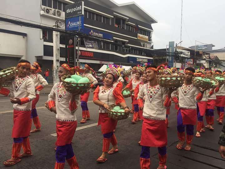 CAGAYAN DE ORO. Despite the rain experienced during the event, the participants all braved the weather and danced along the streets. (Photos from Provincial Tourism Facebook page)