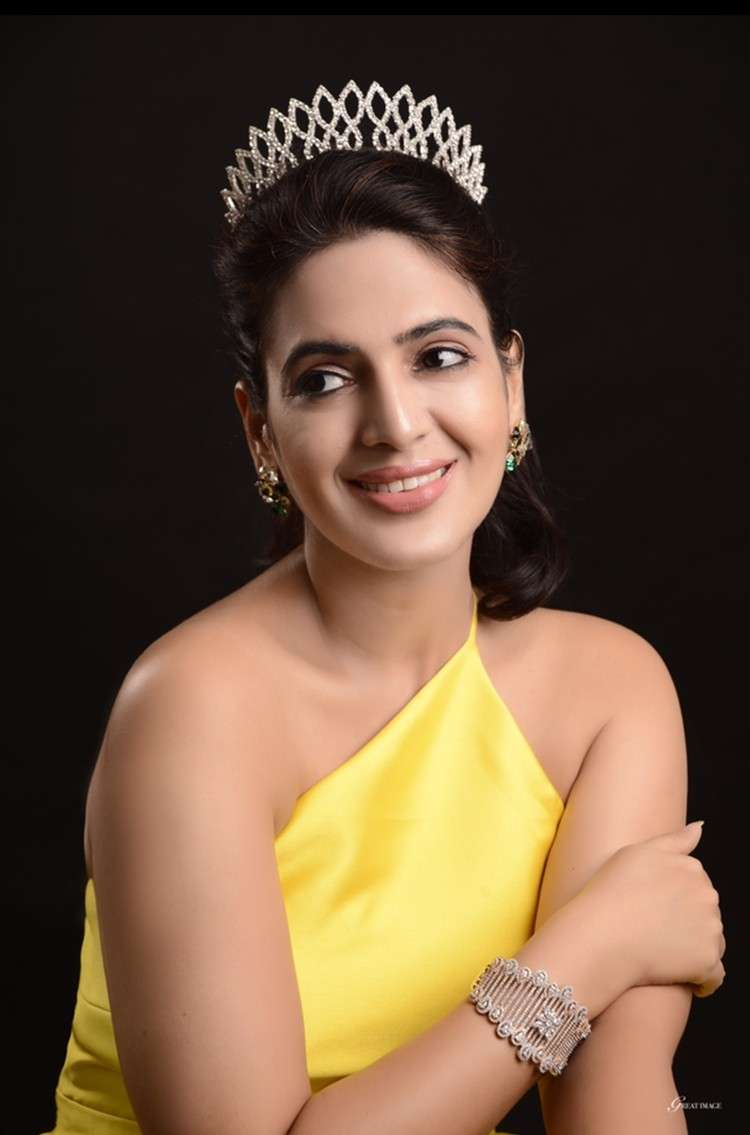 Mrs. Universe Joy and Mrs. Universe Generosity 2018 Aditi Ahuja