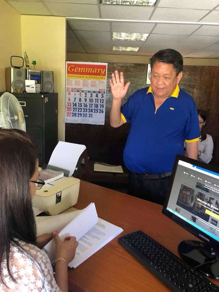 CEBU. Mayor Tomas Osmeña files a case against Councilor Pastor Alcover Jr., for violation of Anti-Cybercrime Law. (Razel V. Cuizon)