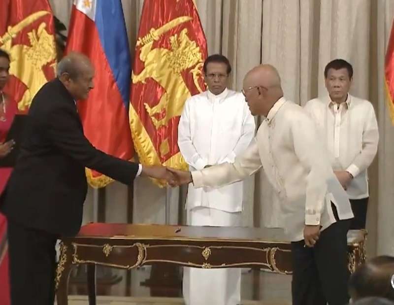 MANILA. President Rodrigo Duterte and Democratic Socialist Republic of Sri Lanka President Maithripala Sirisena witness the signing and exchange of several agreements at the Reception Hall in Malacañan Palace on January 16, 2019. (Photo from RTVM video)