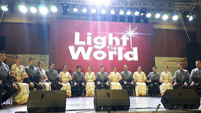 MANILA. The Philippine Madrigal Singers sang several Christmas Carols and left the audience in awe with their talent. The Philippine Madrigal Singers is one of the four choir groups that performed in December 2018 as part of The Church of Jesus Christ of Latter-Day Saints' #LightTheWorld campaign. (Photos by Jo Ann Sablad)