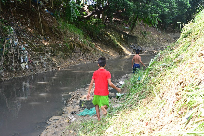 A supplier of water solutions urged local governments to exert more efforts inpreserving the country's rivers. (SunStar File Photo) Some children still take a dip in the Butuanon from time to time, although it's a far cry from the clear water that their grandparents used to swim in.  (SunStar Foto Allan Cuizon)