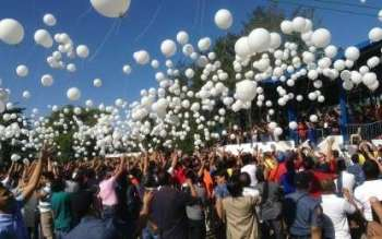 PANGASINAN. Election candidates in Pangasinan for the May 2019 elections release white balloons to signify genuine intention to serve. (Photo by Liwayway Yparraguirre)