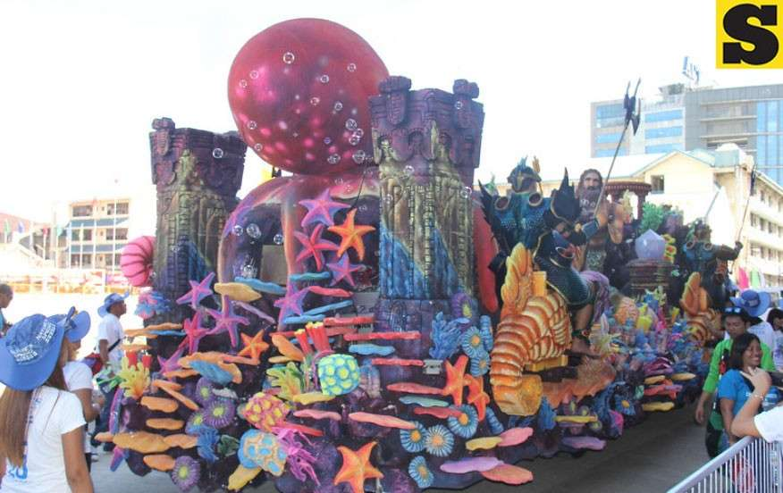 CEBU. A total of 51 floats will be plying the Sinulog grand parade route. However politicians are now allowed on it during the Sinulog. (SunStar file)