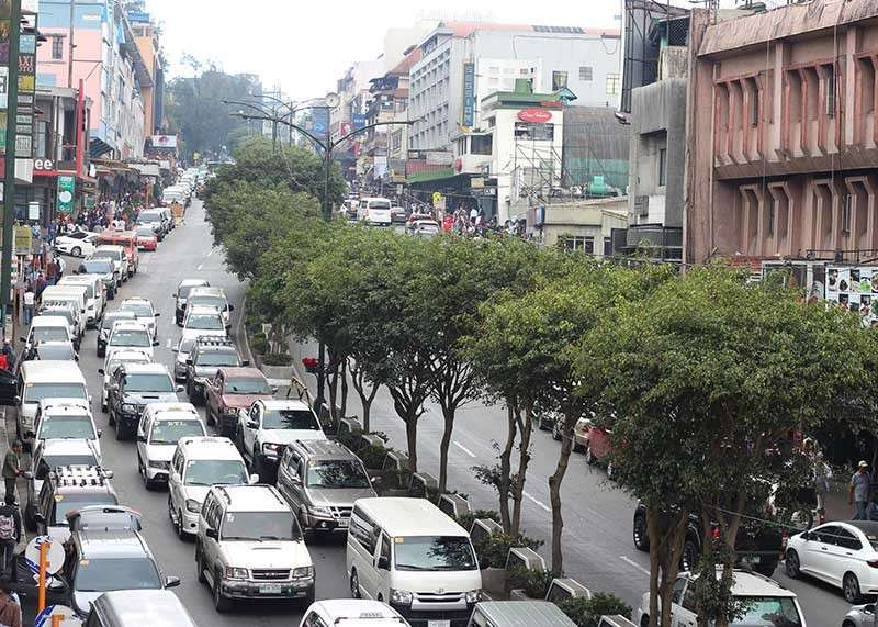 BAGUIO. As the Summer Capital readies for the upcoming celebration of the annual flower festival or Panagbenga, the City Council is mulling the bidding of the Session Road in Bloom event to maximize profits for the city. (Photo by Jean Nicole Cortes)