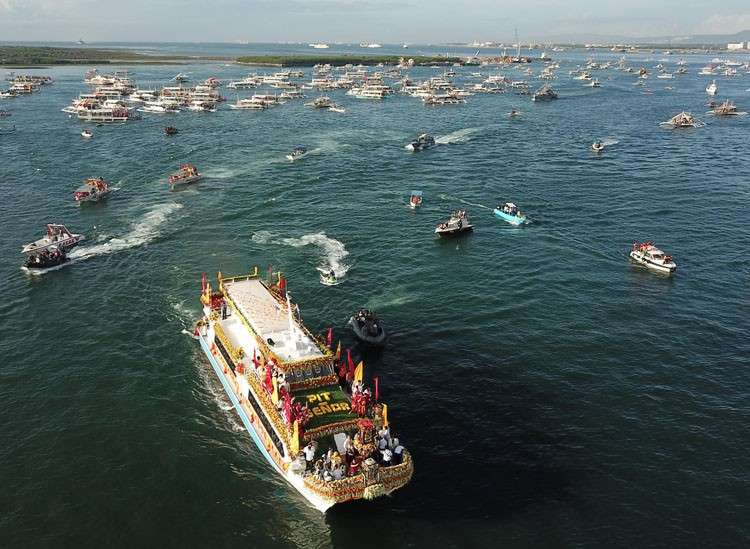 CEBU. The aerial shot of the galleon that carried the image of Señor Sto Niño. (Allan Cuizon)