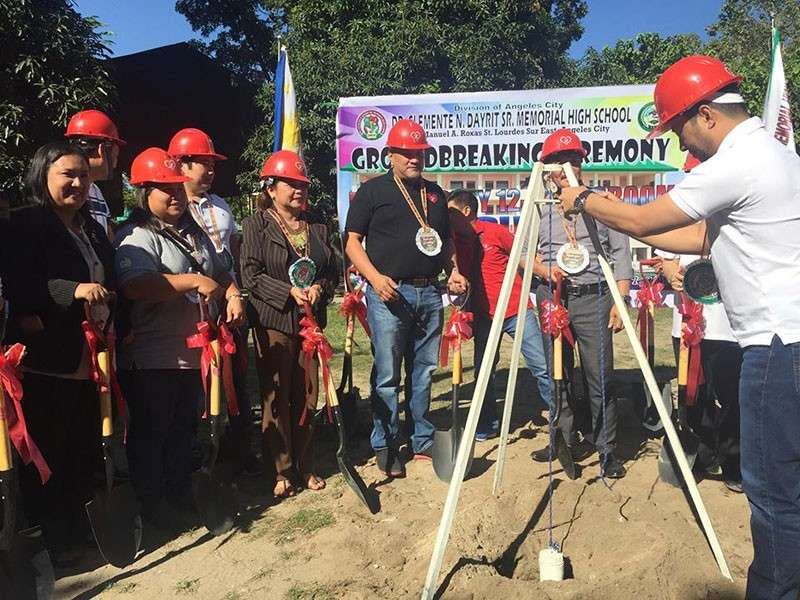 "GROUNDBREAKING. Opposition Councilor Carmelo ""Pogi"" Lazatin, Jr. on Thursday joined his brother, Pampanga First District Representative Carmelo ""Jon-Jon"" Lazatin, II in breaking ground for a four-storey, 12 classroom building at Dr. Clemente N. Dayrit Sr. Memorial High School, Barangay Lourdes Sur East, Angeles City. (Contributed Photo)"