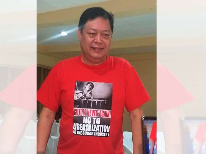 "BACOLOD. Sugar Regulatory Administration Board Member Emilio Yulo III, in his ""Gutom Never Again: No to Liberalization of the Sugar Industry"" shirt, in a press conference at Ting-Tings Restaurant in Bacolod City on Thursday, January 24. (Erwin Nicavera)"