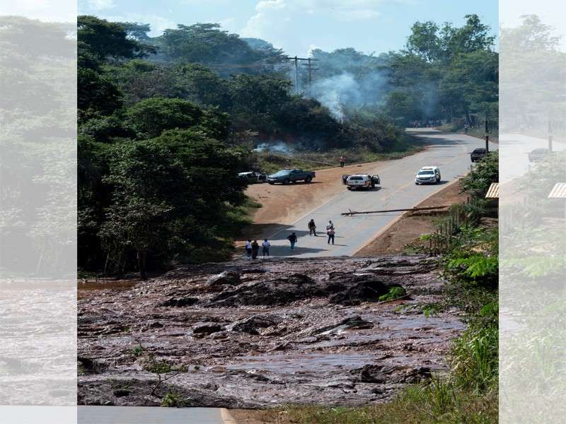 BRAZIL. A road is blocked after a dam collapsed near Brumadinho, Brazil, Friday, Jan. 25, 2019. Brazilian mining company Vale SA said it didn't yet have information on deaths or injuries at the dam but said that tailings have reached the community of Vila Ferteco. (AP)