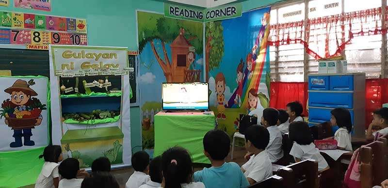 DAVAO. When used right, technology can help teachers and students learn from the different educational materials they have. (Janice D. Montalvo)