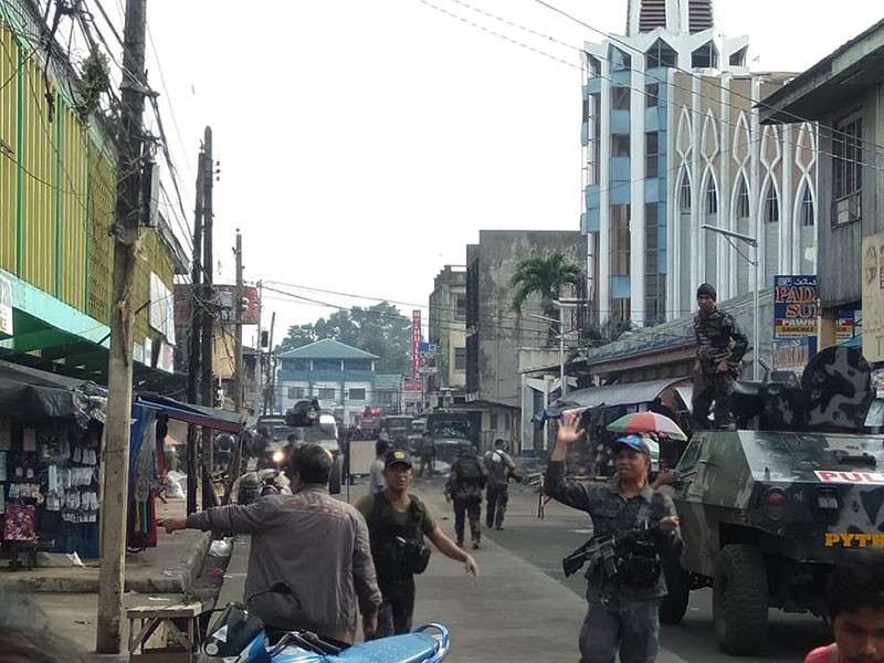 JOLO. Government security forces set up a cordon after two improvised explosive devices went off at the Jolo Cathedral in Sulu on January 27, 2019. (Photo from Western Mindanao Command)