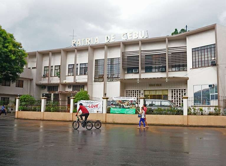 "DON'T BLAST THE PAST. Constructed in 1954, the Patria de Cebu is one of the earliest buildings in Cebu to display the ""international style"" of architecture and install the tie-beam innovation that enables it to withstand earthquakes. (SunStar file foto)"