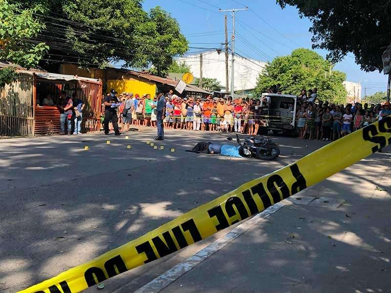 BACOLOD. Senior Police Officer 4 Oscar Exaltado was gunned down by unidentified motorcycle-riding assailants in Barangay Singcang-Airport, Bacolod City on Saturday, January 26. (Glazyl Masculino)