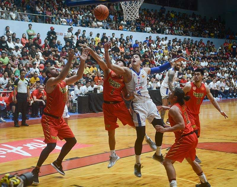 HUGE CROWD. Cebuano fans come in droves to watch Alab Pilipinas'  second home game in Cebu. (SunStar Photo/Arni Aclao)