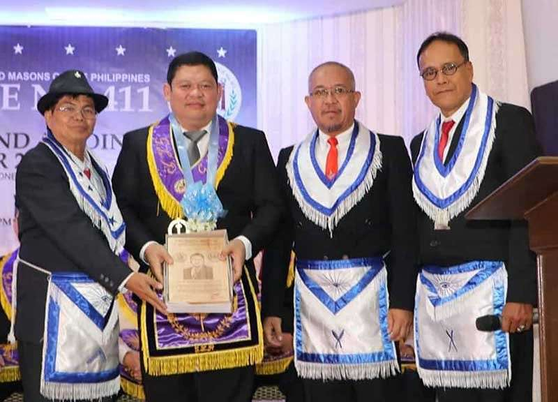 PAMPANGA. Grand Tyler VW Nomer Abel P. Canlas (2nd, L) who was the guest of honor and speaker, receives a plaque of appreciation from WM Bro. Allan Dizon, Sec. Marcial Caniones and Lecturer VW Bro. Nelson Nucup during the Porac Masonic Lodge No. 411 7th Public Installation of Elected and Appointed Officers for Masonic Year 2019 at O'Club, Clark Freeport Zone on Saturday, February 2. (Chris Navarro)