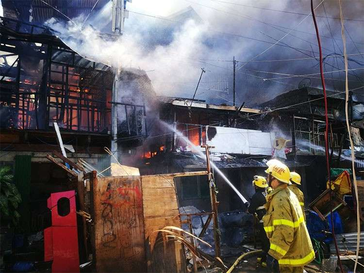 3-hour inferno rages in 3 sitios in Ermita