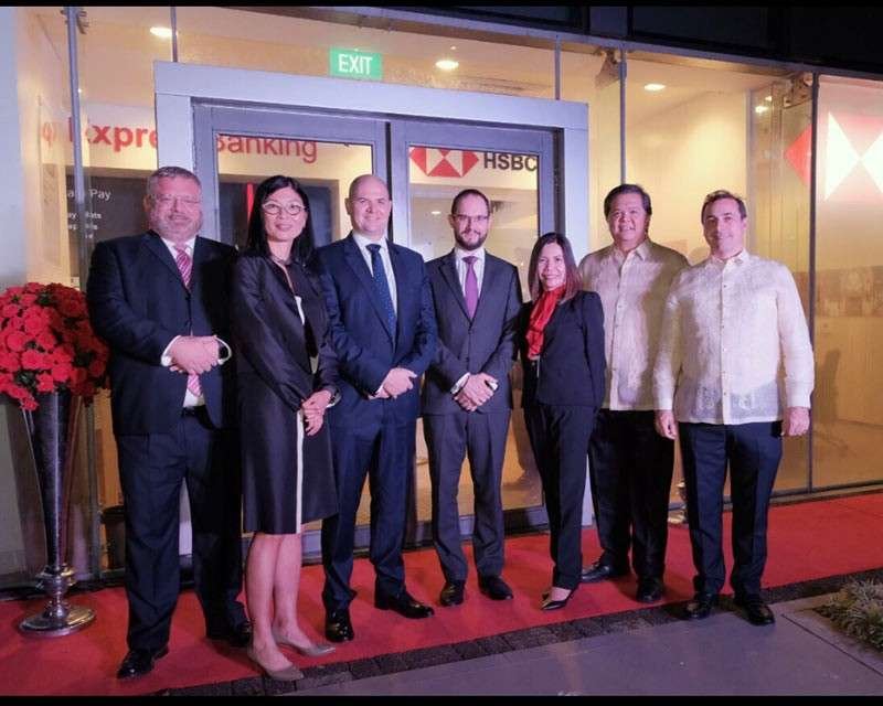 HSBC CEBU OPENING. The HSBC executives, from left, Bruce Peoples, head of distribution management Phils.; Betty Miao, head of Retail Banking & Wealth Management International Asia Pacific; Graham FitzGerald, HSBC Phil. president and chief executive officer; Nigel Burbidge, chief operating officer RBWM Phils.; Debbie Realiza, Retail branch head-Cebu; Claro Fernandez, head of communications Phils; and Michael Brennan, head of wholesale banking Phils.