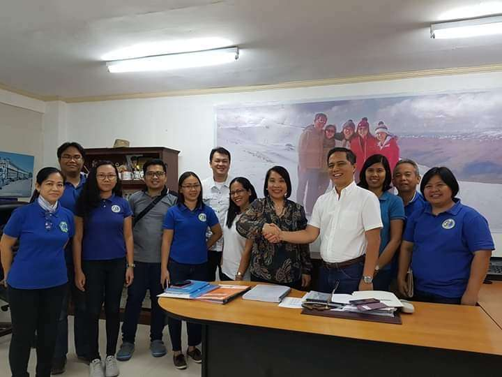 Provincial Veterinary Office personnel led by Provincial Veterinarian Renante Decena (4th from right) with Land Bank of the Philippines-Bacolod Assistant Vice President Cañonero (5th from right) during their meeting at his office in Bacolod City on Monday, February 4. (Contributed photo)