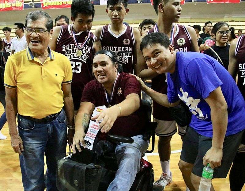 CAGAYAN DE ORO. Rey Dangcal brims with joy after winning the NBTC League Cagayan de Oro final for Southern Philippine College (SPC) He is with his dad El Salvador Councilor Reynaldo Dangcal (right photo) and sports journalist Jaime Frias III celebrating their win over Assumption Montessori School (AMS) Jaguars. (SunStar photo by Jack Biantan)