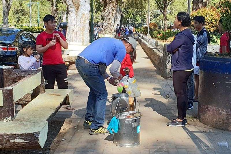 BAGUIO. A random taho vendor sells at Burnham Park as issues hound Public Order and Safety Division (POSD) personnel over allegations of abuse against ambulant vendors in parks. (Maria Elena Catajan)