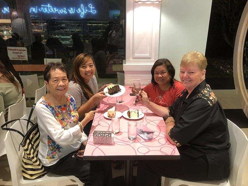 BACOLOD. Treat friends with cake. (Rose Jessica Octaviano)