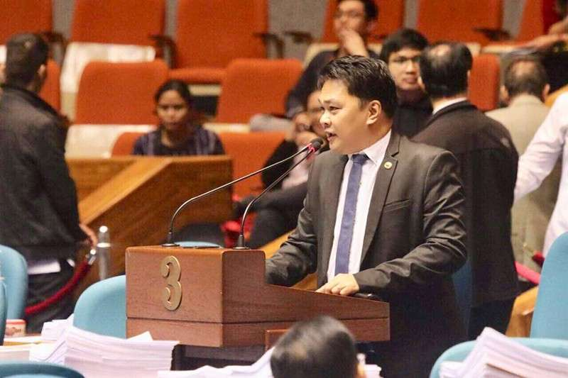 BACOLOD. Bacolod City Representative Greg Gasataya delivers his privilege speech at the House on Wednesday night, February 6. (Contributed photo)