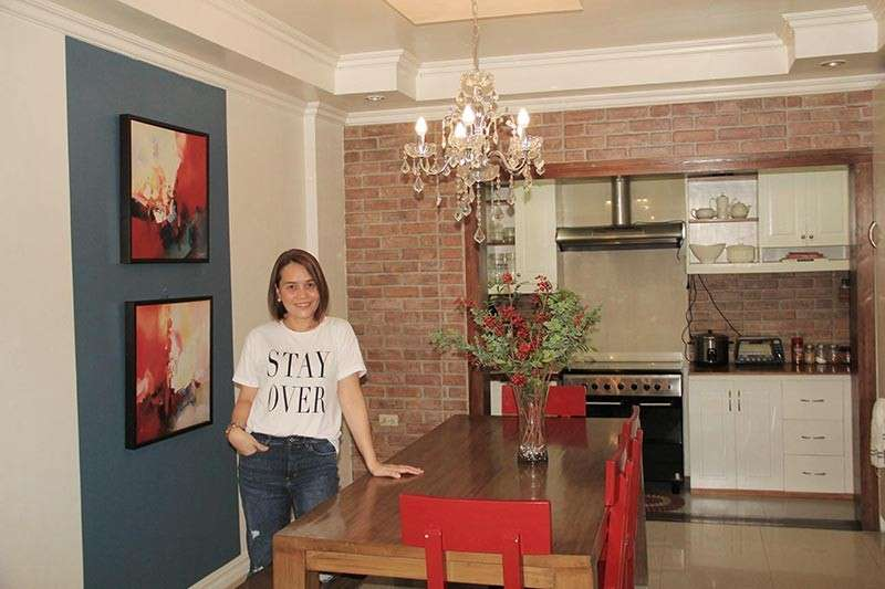 "DAVAO. ""Real living"" mom. Though not professionally trained in interior design, Razelyn Te-Arrieta has a natural talent and taste in home decorating."