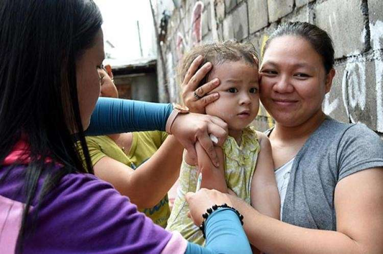 PREVENTION BETTER THAN CURE. Vaccines are very safe and effective protection against communicable diseases, declare health experts urging parents and guardians to have some two million children vaccinated against measles. (SunStar file foto)