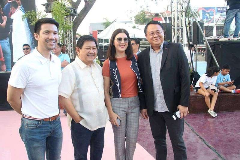 PAMPANGA. Former senator Pia Cayetano (3rd from left) with Angeles City Mayor Edgardo Pamintuan (2nd from left), Vice Mayor Bryan Nepomuceno (left) and Foreign Affairs Undersecretary Elmer Cato during the kick-off ceremony for the 2019 SEA Games inside Clark Freeport Zone. Cayetano was on hand to represent her brother, former senator and foreign affairs secretary Alan Peter Cayetano who is the chairman of the overall organizing committee for SEA Games. (Contributed Photo)