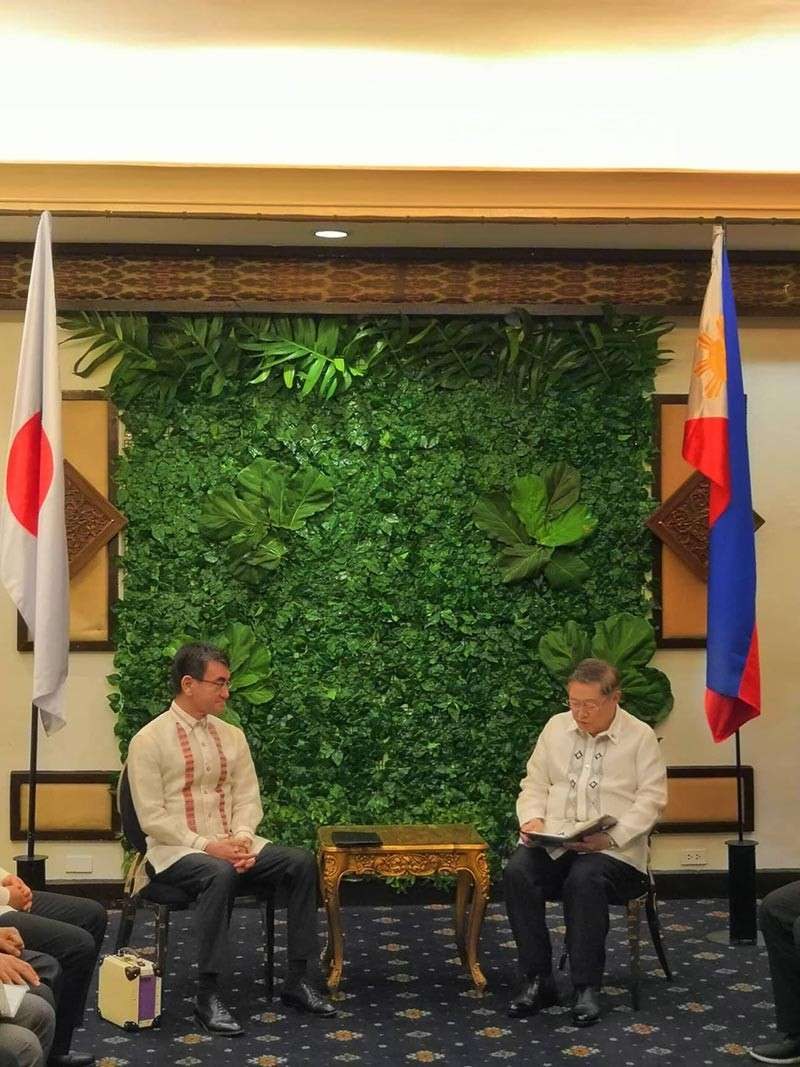 DAVAO. Japanese Foreign Minister Taro Kono (left) and Finance Secretary Carlos Dominguez III in a bilateral meeting on Sunday, February 10, at the Waterfront Insular Hotel Davao. (Photo by Ace Perez)