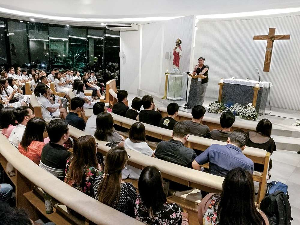 THE GOOD DOCTOR.  Dr. Zuriele Arambulo's friends in Cebu share their memories of the young doctor, who, they say, can be an inspiration for those in the profession. (SunStar foto / Arni Aclao)