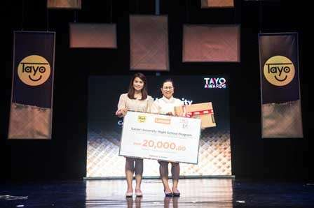 CAGAYAN DE ORO. Utilizing technology to provide interactive alternative learning to drop-outs, out-of-school youth, and street children, the XU Ateneo Night School Program was recognized by Lenovo, a global innovation leader and Tayo Foundation partner, as an Outstanding Tech Visionary at the Tayo 16 Awards ceremony. In photo from left to right: Camille Antonio, PR Manager for Lenovo Philippines, CID Communication and Edchelle Rellama, XU Night School Program Volunteer-Teacher (Science). (Contributed photo)