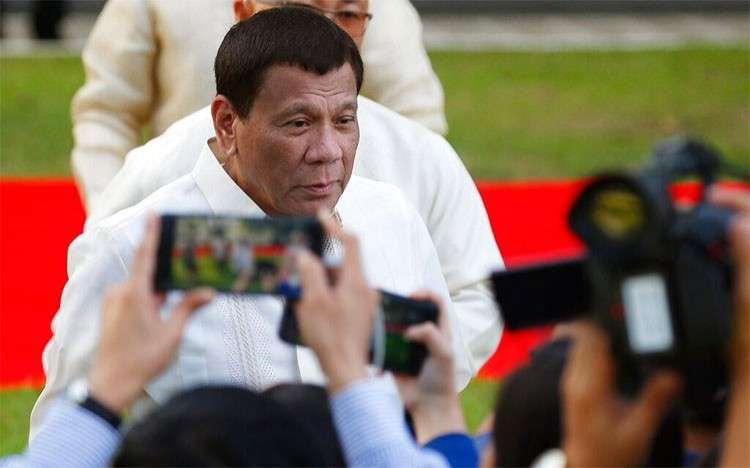 MANILA. President Rodrigo Duterte talks to the media prior to a welcome ceremony for visiting Sri Lankan President Maithripala Sirisena Wednesday, January 16, 2019, at the Presidential Palace grounds in Manila. (AP)