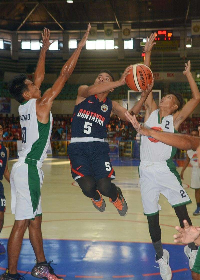 BACK AT IT. Cebu's best U21 players will again face each other for the P500,000 top prize in Season 3 of the Governor's Cup basketball tournament. (Sunstar file)