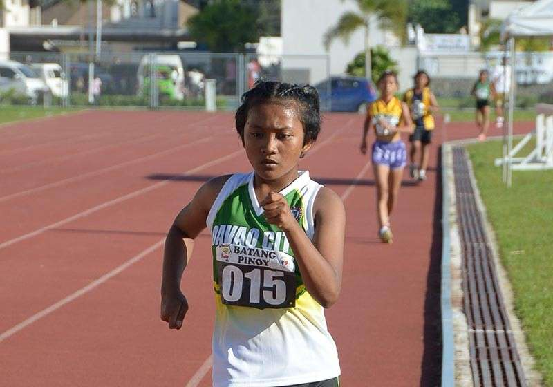 DAVAO. Lyka Catubig of Davao City walks past her girls 13-15 2,000-meter walkathon rivals in the just-concluded Batang Pinoy 2019 Mindanao Qualifying Leg. (DSA)