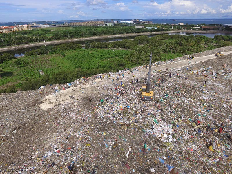 RECENT DISCOVERY. The Cebu City Government just learned that the 15-hectare Inayawan Landfill was part of a 28-hectare titled property under the name of Renato Senining. (SunStar photo / Allan Cuizon)