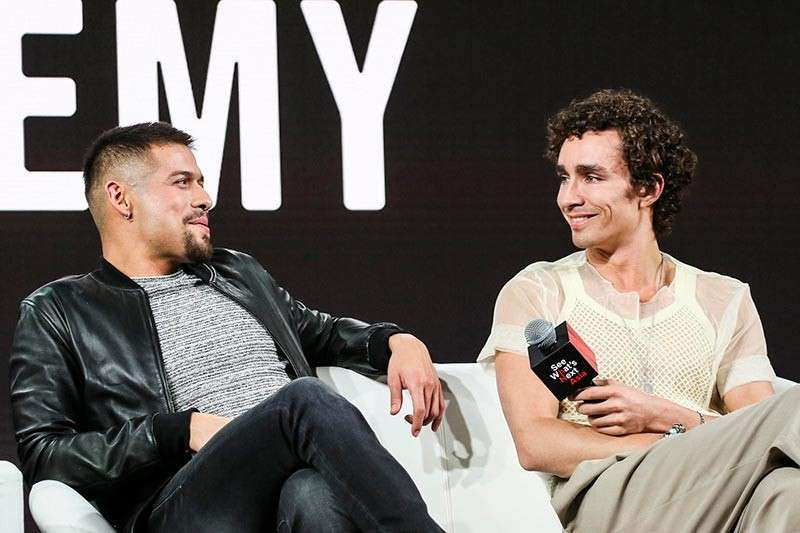 David CastaÑeda and Robert Sheehan