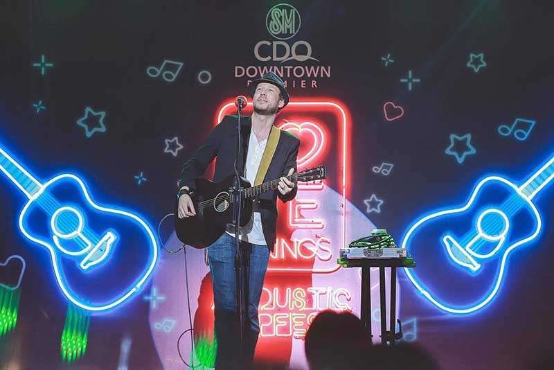 "CAGAYAN DE ORO. Stephen Speaks' singer-songwriter Rockwell Ryan Ripperger performed some of the band's well-known love songs such as ""Passenger Seat,"" ""Out of My League,"" ""I Found Love,"" among others. (Photo from SM CDO Downtown Premier Facebook page)"