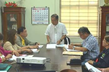 BACOLOD. Negros Occidental Governor Alfredo Marañon Jr. presides the Health Board meeting Friday, February 15, 2019 following the measles outbreak in Western Visayas. (Capitol photo)