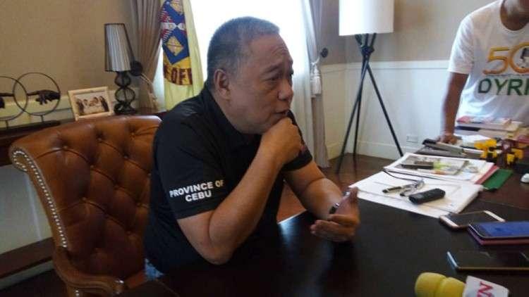 Gobernador Hilario Davide III gipatawag ang nurse nga ningkuha og video sa nag tinga nga biktima nga napusil atol sa giingong buy bust sa Lungsod sa Tuburan. (SunStar file)